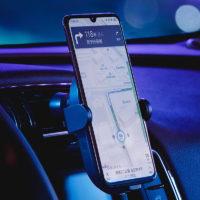 Подборка держателей для телефона с беспроводной зарядкой в автомобиль на Алиэкспресс - место 2 - фото 3