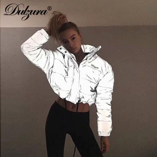 Светоотражающая женская короткая теплая куртка пуховик