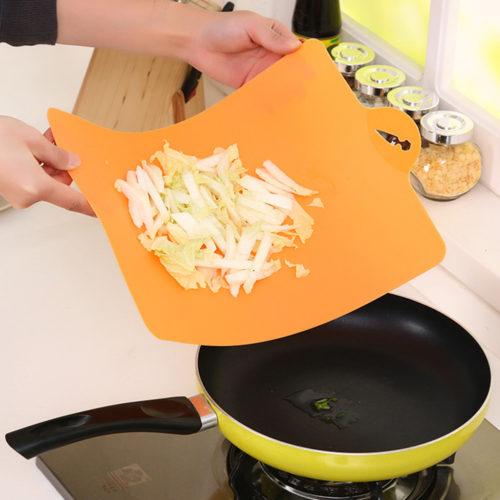 Гибкая пластиковая разделочная доска для кухни (для овощей, рыбы, мяса, фруктов)