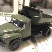 Коллекционные модели машин ЗИЛ 1:43