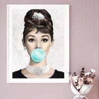 Декоративные постеры плакаты Одри Хепберн, Мэрилин Монро или Брижит Бардо с жвачкой (пузырем)