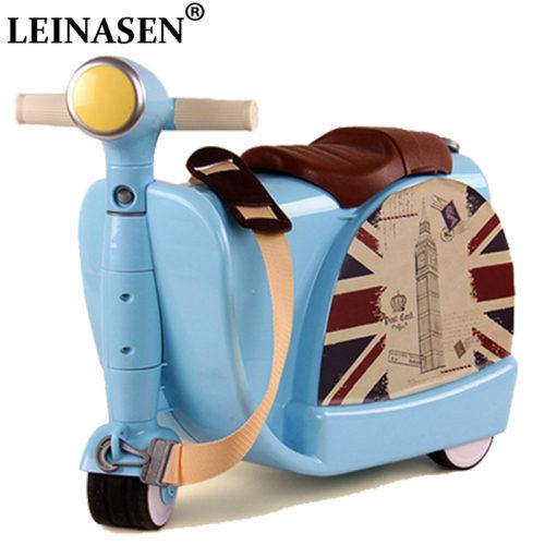 Детский чемодан сумка на колесиках в виде скутера, на котором можно сидеть