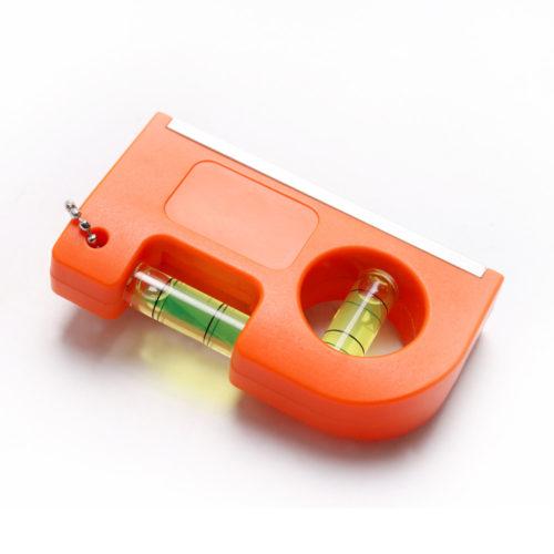 Мини-брелок на цепочке с магнитом и уровнем